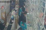 Jarah Emas 4,3 Kg, Empat Pria Bermasker Diringkus Berkat Rekaman CCTV