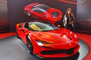 Jualan Ferrari, Eurokars Langsung Boyong PHEV SF90 Stradale dan Ferrari Roma