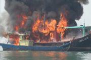Curi Ikan di Perairan Indonesia, 6 Kapal Ikan Asing Dibakar di Laut Belawan