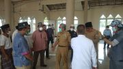 Jelang Ramadan, Gubernur Sulbar Pantau Masjid Rusak Pascagempa dan Beri Bantuan