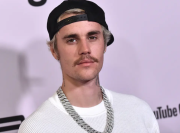Seleb Sekelas Justin Bieber Ternyata Tidak Punya Ponsel, Ini Alasannya