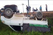 Penampakan Mobil Pengangkut Sayur Mendadak Terbalik di Kotawaringin Barat