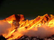 Selain Kongo, Indonesia Juga Ada Gunung Emas dari Papua sampai Jawa