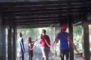 Bola Soba Rumah Adat di Bone Hangus Terbakar