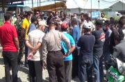 Sawah dan Kuburan Sering Terendam Banjir karena Proyek Pabrik Kertas, Warga Blokade Perusahaan