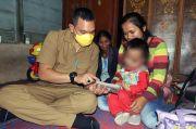 Bupati Pakpak Bharat Siap Alokasikan Gajinya untuk Perawatan Balita Penderita Tumor Mata