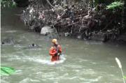 Belum Ditemukan, Pencarian Korban Jatuh ke Sungai di Gianyar Dilanjutkan