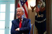 Trump Ledek Presiden Biden yang 3 Kali Jatuh di Tangga Air Force One