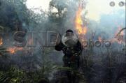 Antisipasi Karhutla, TNI-Polri Buat Embung Manual Bersama Warga Desa