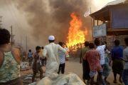 Pejabat Bangladesh Selidiki Penyebab Kebakaran di Kamp Rohingya