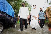 Basah-basahan, Bobby Nasution dan Kahiyang Ayu Tinjau 15 Rumah Terendam Banjir