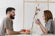 5 Tanda Anda Jatuh Cinta pada Sahabat Sendiri