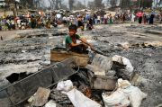 Pasca Kebakaran, Relawan Kesulitan Satukan Kembali Keluarga Pengungsi Rohingnya di Bangladesh