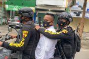 Mengaku Anggota Polri, Pegawai Restoran di Makassar Diamankan