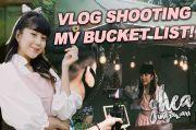 Untuk Para Fans BTS, Ada Merchandise BT21 di Video Musik Artis Ini!