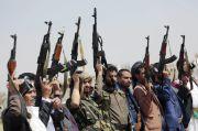 Houthi Serang dan Bakar Tangki Minyak Arab Saudi di Jizan