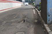Hati-hati! Banyak Jalan Berlubang di Sekitar Proyek Pembangunan LRT