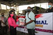 Bhayangkari Polresta Pematangsiantar Berbagi Kasih dengan Pemulung dan Panti Jompo