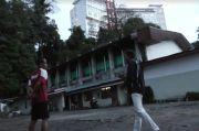 Disambar Petir, Pohon Tumbang Timpa Sport Hall Bukittinggi dan Pemain Bulu Tangkis