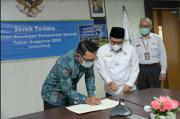 Ridwan Kamil Serahkan LKPD Tahun 2020 kepada BPK Jabar