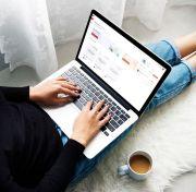 Bahaya Memangku Laptop, dari Nyeri hingga Masalah Kesuburan