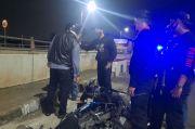 Mabuk Berat, Pria Pengendara Motor Terkapar di Jalan