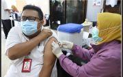 Demi PTM, Dosen dan Tendik Untag Surabaya Jalani Vaksinasi Covid-19