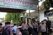 Kenakan Gamis dan Cadar, Tiga Keluarga Habib Rizieq Hadir di PN Jakarta Timur
