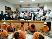Asyik Pesta Sabu, Polisi Ringkus Kepala Desa Sentul Sedang Teler