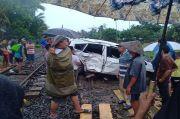 Tragis, Pengemudi Jazz Tewas Tertabrak Kereta Api di Lampung Utara