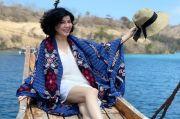 5 Inspirasi Tampil Feminin di Usia 55 Tahun Ala Desiree Tarigan