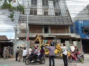 Peringatan Keras, Satpol PP Medan Hancurkan Gedung Tak Berizin