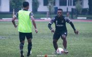 Siap Ladeni Persela, David Laly Bertekad Bantu Madura United Raih Poin Penuh