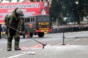 Tim Gegana Polda Metro Sterilisasi Gereja Katedral Jakarta