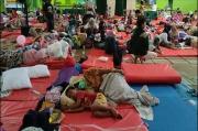 Trauma Kebakaran Kilang Minyak Balongan, Ratusan Warga Bertahan di Pengungsian