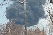 Hari Kelima, Kobaran Api dan Asap Tebal Kembali Muncul di Kilang Balongan