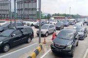 Terjadi Lonjakan, Gerbang Tol Palimanan Kian Padat, Kendaraan Mengular