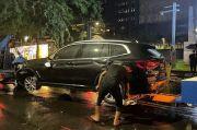 BMW dan Alphard Tabrakan di Senopati Jaksel, Tidak Ada Korban Jiwa