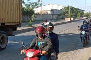 Membahayakan, Pengendara Keluhkan Jalan Akses Marunda karena Rusak Parah