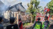Korsleting Listrik, Rumah di Mojokerto Ludes Terbakar