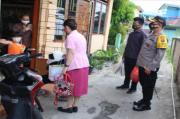 Peduli, Ketua Bhayangkari Polresta Pematangsiantar Bagikan Bingkisan untuk Korban Kebakaran