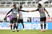 Dipinjamkan Arsenal, Willock Buyarkan Kemenangan Tottenham atas Newcastle