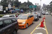 Arus Balik Libur Paskah di Jalur Puncak Macet Parah, Polisi Berlakukan Oneway