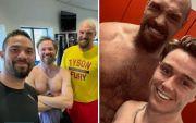 Tyson Fury Bertelanjang Dada Pamer Transformasi Tubuh Menakjubkan