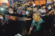Tangis Pecah di Dermaga TPI Eretan Wetan Saat 15 Korban Selamat dan 2 Jenazah Tiba