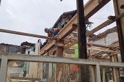 Kerap Dilanda Banjir, Hunian Warga Kampung Melayu Disulap Jadi Rumah Panggung