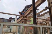 Warga Kampung Melayu Yakin Rumah Panggung Jadi Solusi Kurangi Dampak Banjir
