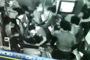 Remaja di Makassar Dikeroyok Belasan Orang di Dalam Warnet