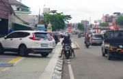Trotoar Rp21 Miliar di Tangsel Jadi Tempat Parkir Liar, Kadis PU: Pedagang Protes Dipasang Bollard