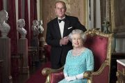 Empat Foto Ini Tunjukkan Pangeran Philip Penyayang Keluarga